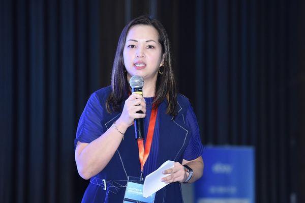 環球資源高級副總裁Carol Lau