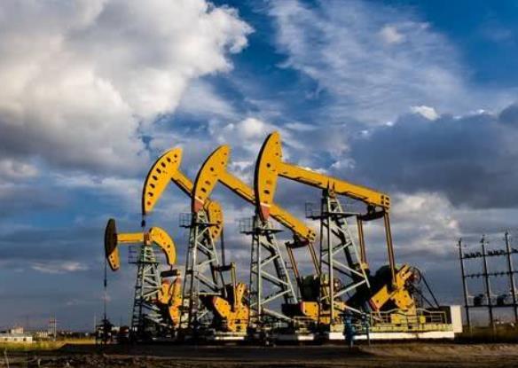 高盛預計年底前石油價格將達到每桶90美元 因為供應趨緊