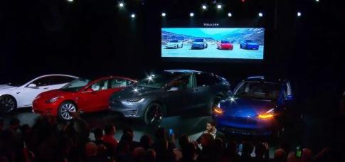 7 座 Model Y 發布,馬斯克的 SEXY 沒有「意外」