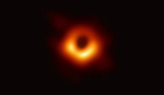 黑洞為何也可以拍到照片?