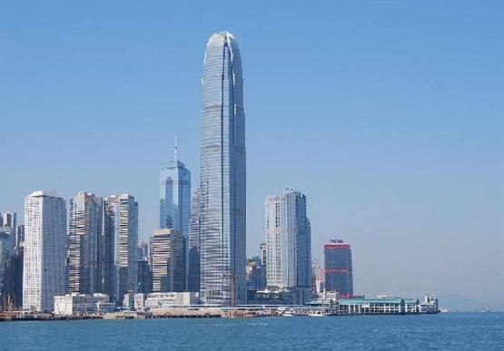 陳茂波在網誌以「停止暴亂 砥礪前行」的原因是預料香港經濟更差
